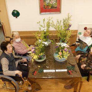 生け花クラブを開催いたしました